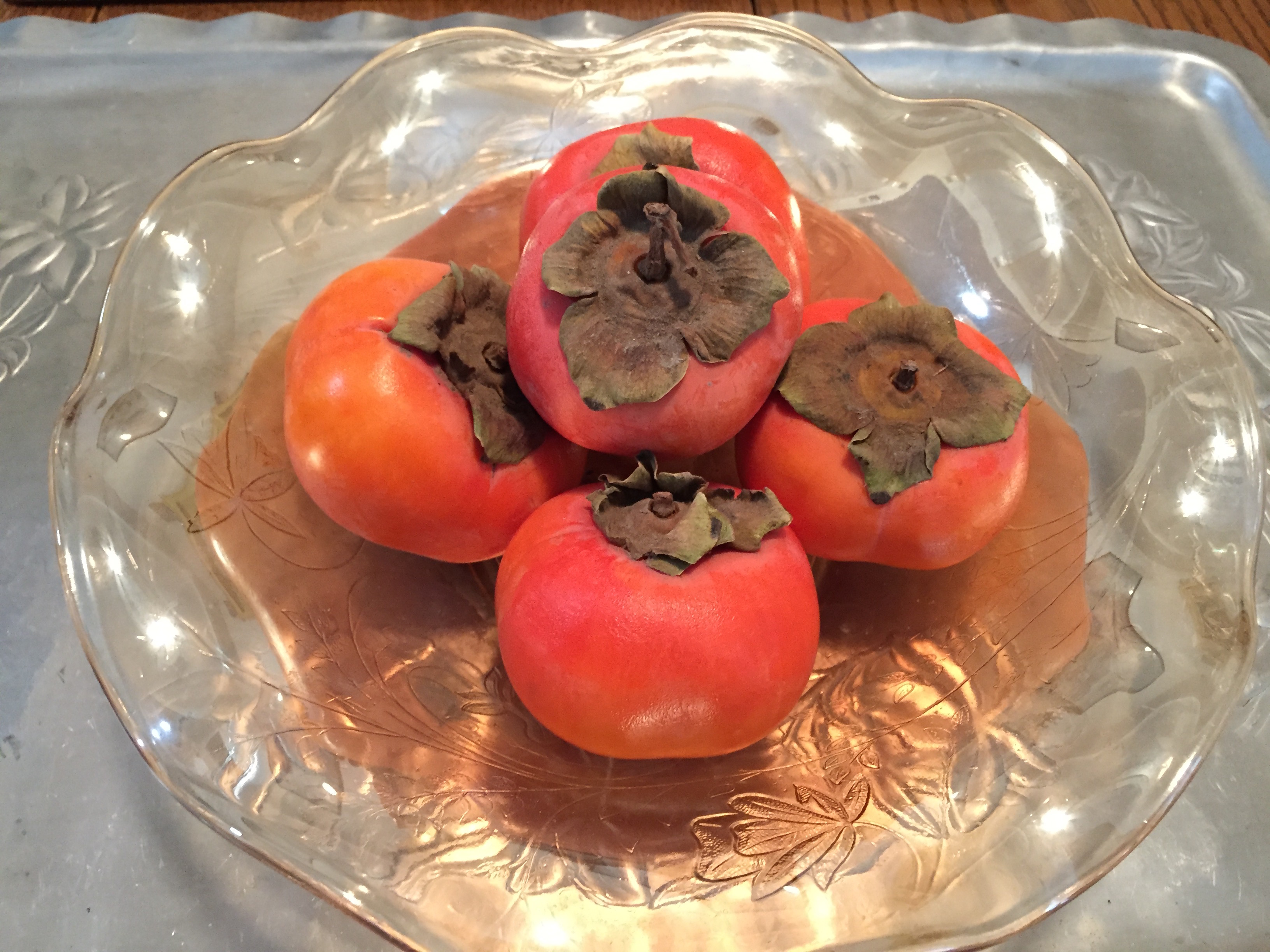 Fuyu persimmons in bowl. (photo by Anne)